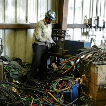 Houston TX aluminum recycling center